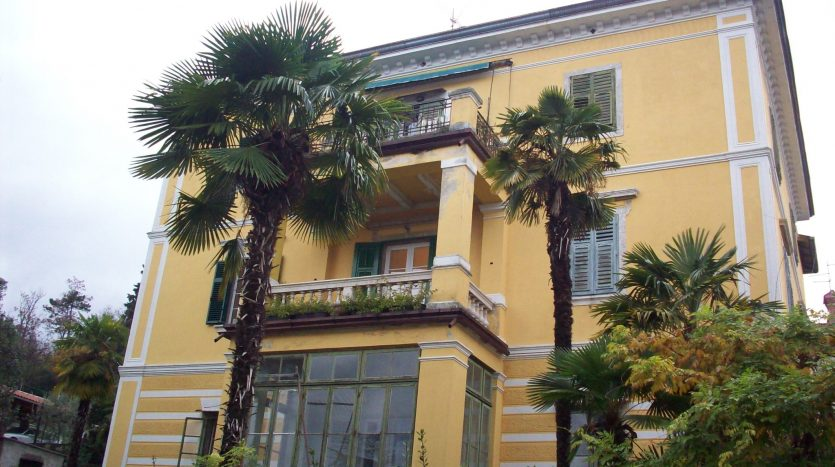 Luxury apartment 50 m from the sea in Opatija