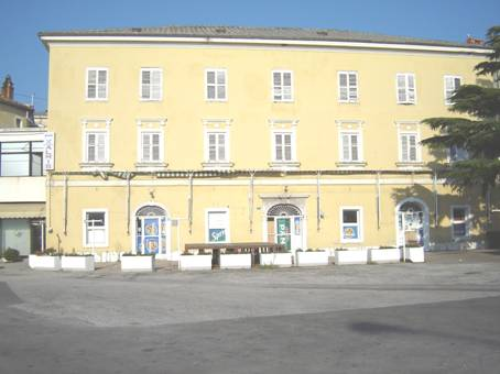 3 separate hotel types on the beach in rijeka