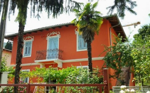 Traditional and Authentic House 150 m From the Sea