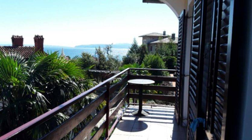 Apartment 150 m from the sea