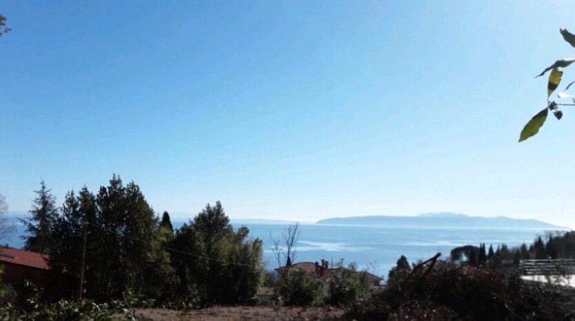Land for sale Close to the Sea and Center