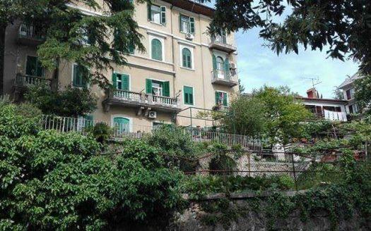 2 Apartmana u Povijesnoj Zgradi u Opatiji