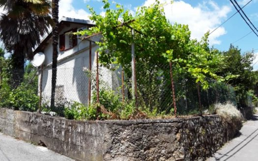Mediterranean House 200 m from the beach for sale in Opatija