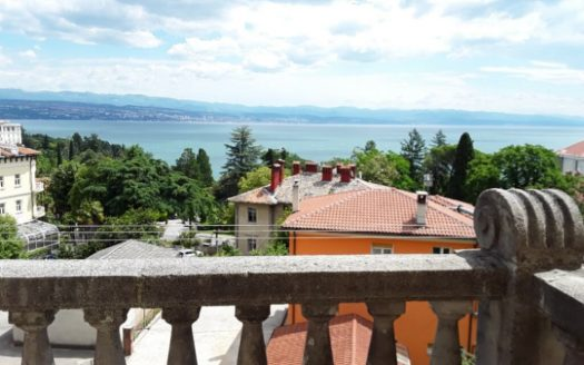 Small and Fully Equipped Apartment 150m from the Sea for sale in Opatia