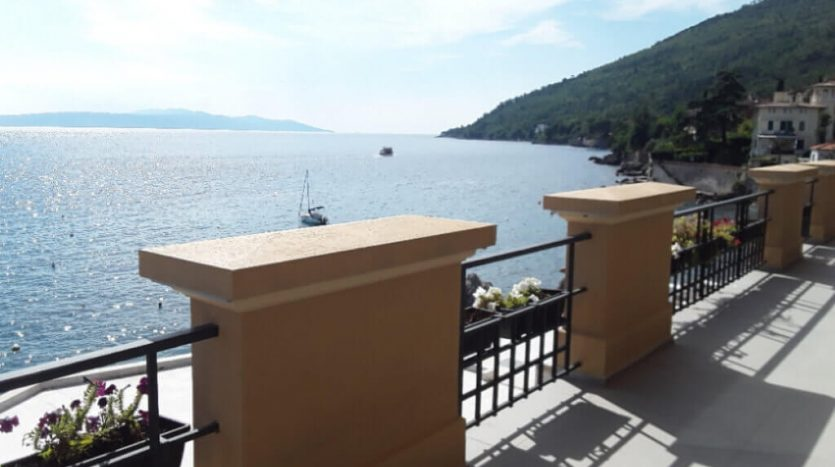 Aparthotel for sale in the first row to the sea in croatia - sea view (12)