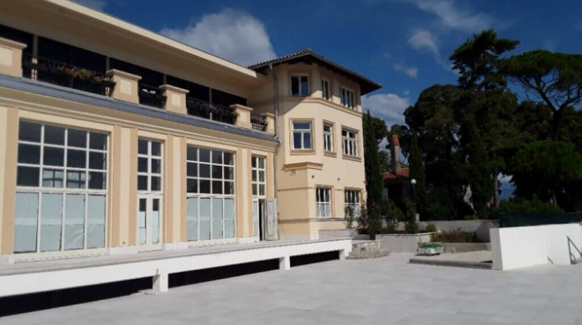 Aparthotel for sale in the first row to the sea in croatia ,opatija(4)