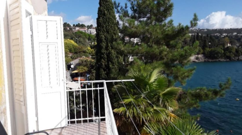 Apartment first row to the sea for sale in Volosko, Croatia (5)