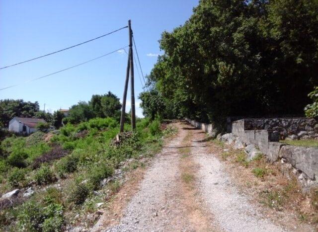Building land in a quiet location Ičićile (1)