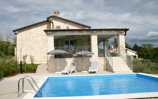 House with Swimming Pool for Sale in Poreč Istria (9)