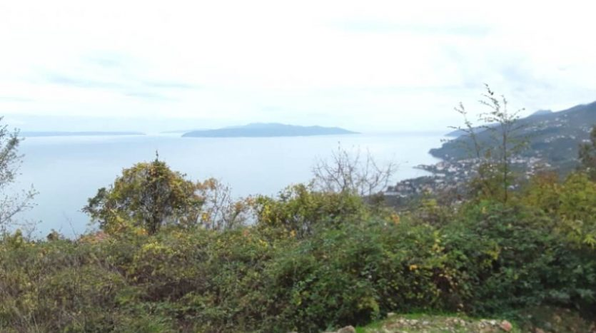 Land with beautiful sea view for sale in Croatia (1)