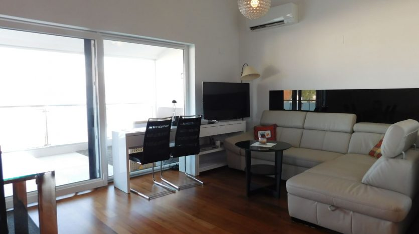 2 Apartments near the sea with private garden on island Krk - living room