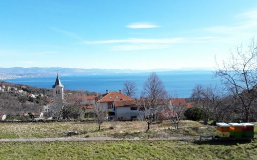Land plot with building permit and seaview in Croatia (2)