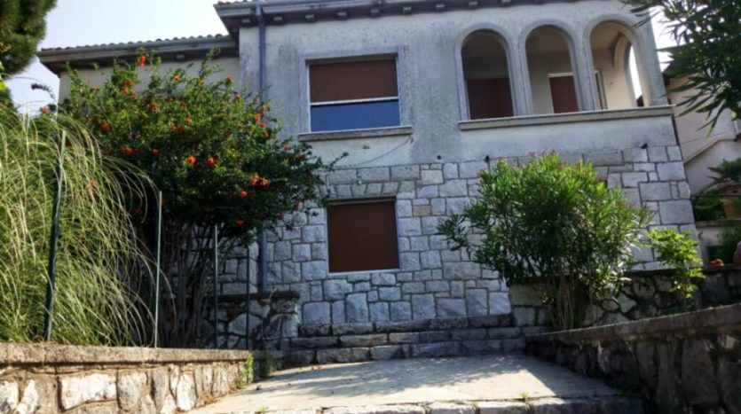 house on top location with acess to the beach  - Rijeka