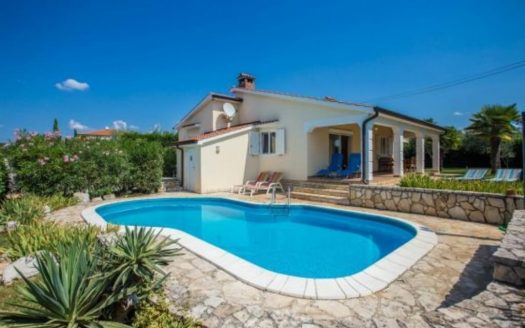 Family House with Pool near Poreč for sale