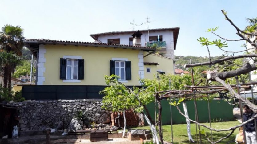House on Great Location 300 m from te Sea for sale in Lovran