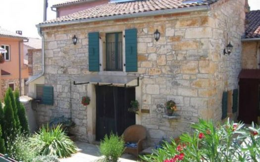 Stone House in the Centre of Poreč for sale