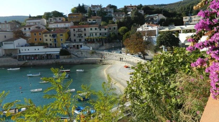 House first row to the sea in Rabac for sale (2)