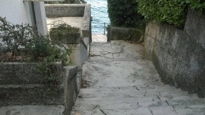 Modernes Apartment in einzigartiger Lage in Opatija zum Verkauf (1)