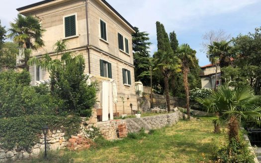 Historic Luxury House 50m from the Sea (4)