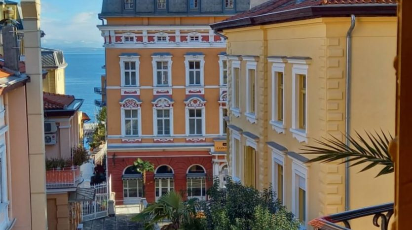 Apartment in the Center of Opatija for sale