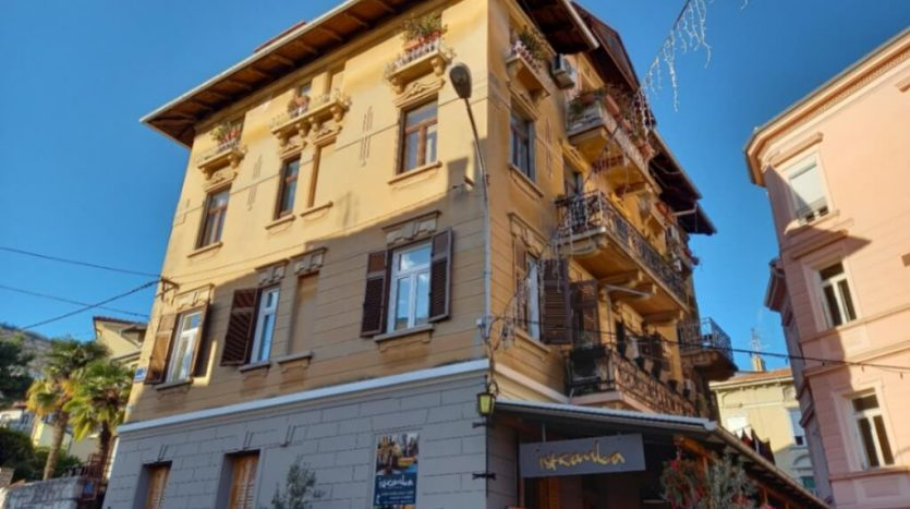 Apartment in the Center of Opatija for sale (2)