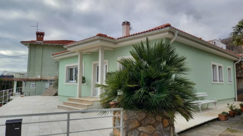 Property with 2 Houses and Swimming Pool for sale in Ika, Opatija (10)