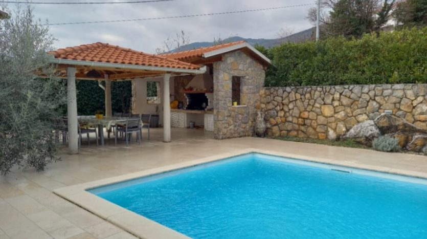 Property with 2 Houses and Swimming Pool for sale in Ika, Opatija (6)