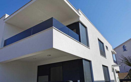 Doppelhaushälfte mit Terrasse in Krk zu verkaufen