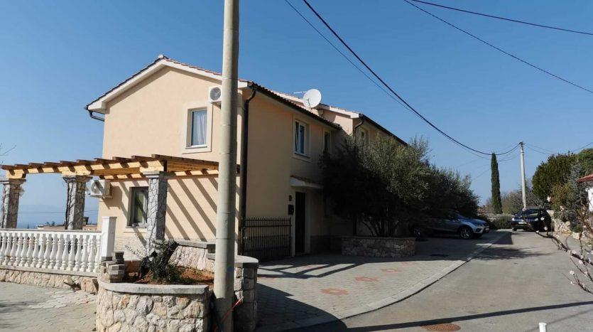 Mediterranes Haus auf der Insel Krk zu verkaufen (3)