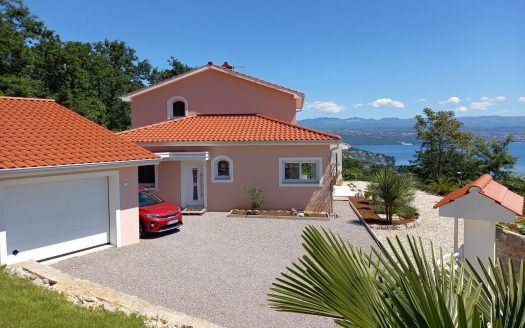 House with Beautiful Seaview for sale in opatija (2)
